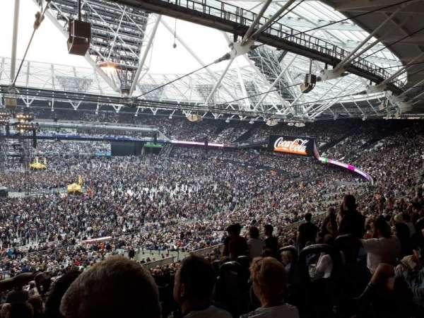 London Stadium, secção: 235, fila: 58, lugar: 469
