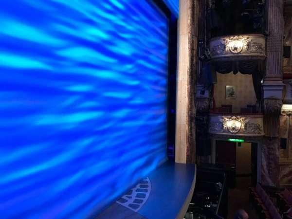 Novello Theatre, secção: BOX A, fila: 1, lugar: 2