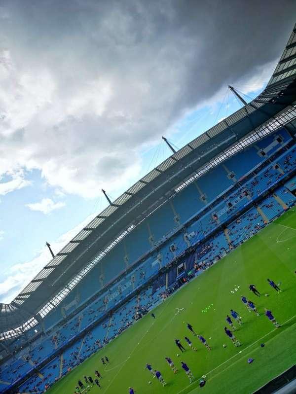Etihad Stadium (Manchester), secção: 104, fila: 2, lugar: 69