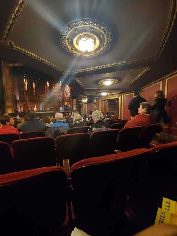 CIBC Theatre, secção: Orchestra R, fila: T, lugar: 18,16