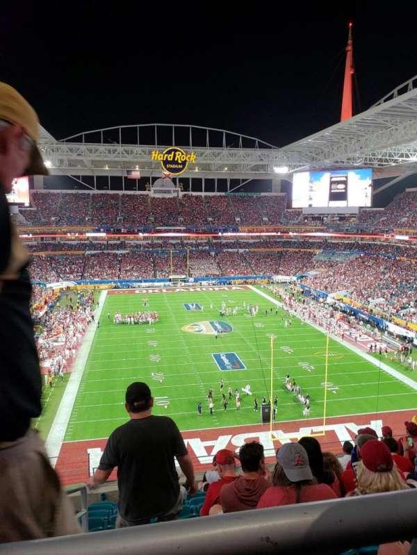 Hard Rock Stadium, secção: 333, fila: 10, lugar: 24