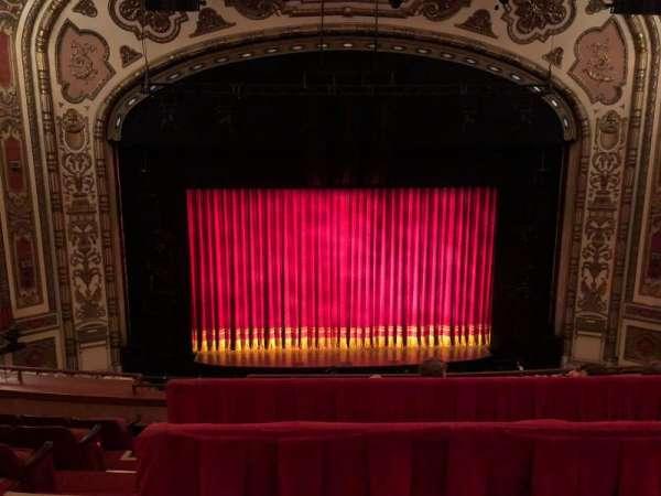 Cadillac Palace Theater, secção: BALCONY LC, fila: E, lugar: 312