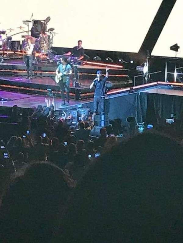 Madison Square Garden, secção: 106, fila: 14, lugar: 6