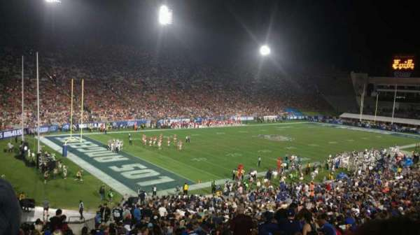 Los Angeles Memorial Coliseum, secção: 210B, fila: 1, lugar: 14