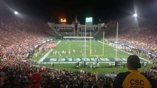 Los Angeles Memorial Coliseum, secção: 215, fila: 2, lugar: 31