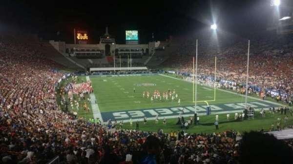 Los Angeles Memorial Coliseum, secção: 215, fila: 3, lugar: 32