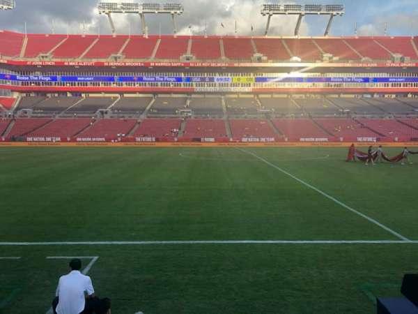Raymond James Stadium, secção: 110, fila: A, lugar: 13-16