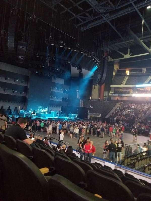 Vystar Veterans Memorial Arena , secção: 114, fila: J, lugar: 9