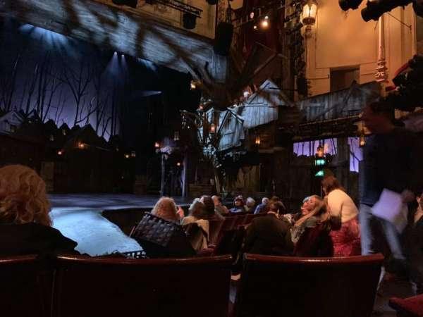 Playhouse Theatre, secção: Stalls, fila: J, lugar: 28