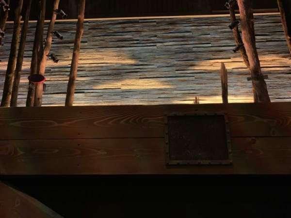 Phoenix Theatre, secção: Stalls, fila: AA, lugar: 6