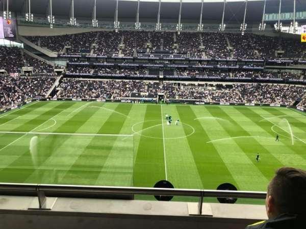 Tottenham Hotspur Stadium, secção: 527, fila: 6, lugar: 836