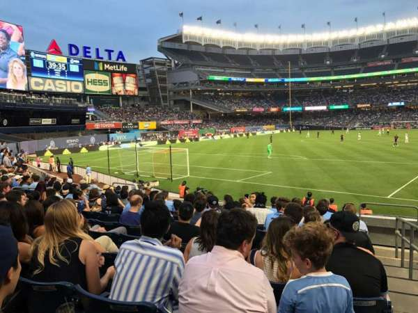 Yankee Stadium, secção: 133, fila: 10, lugar: 1