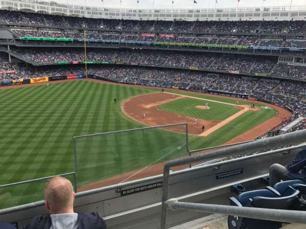 Yankee Stadium, secção: 331, fila: 3, lugar: 1