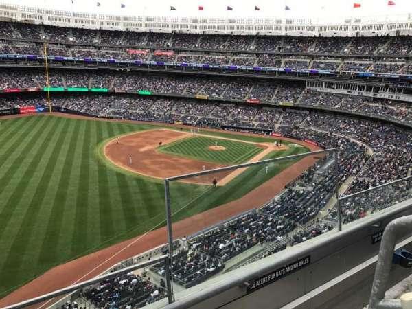 Yankee Stadium, secção: 331, fila: 2, lugar: 1
