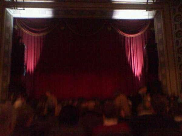Taft Theatre, secção: Orchestra 2, fila: S, lugar: 9