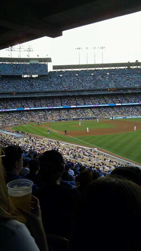 Dodger Stadium, secção: 162LG, fila: S, lugar: 8