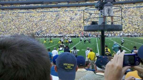 Michigan Stadium, secção: 21, fila: 3, lugar: 22