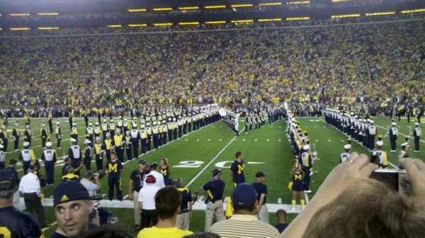 Michigan Stadium, secção: 21, fila: 3, lugar: 25