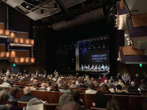 Ahmanson Theatre, secção: Orchestra right, fila: R, lugar: 2