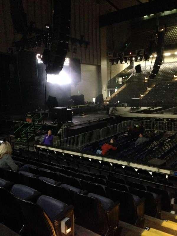 Royal Farms Arena, secção: 107, fila: G, lugar: 14