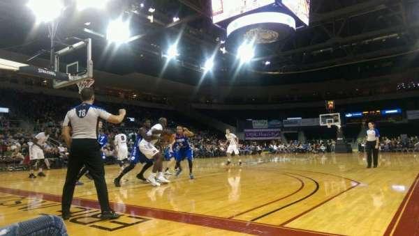 Erie Insurance Arena, secção: Court E, fila: Court, lugar: 25