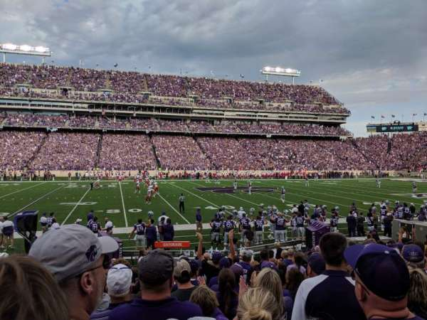 Bill Snyder Family Stadium, secção: 4, fila: 13, lugar: 23