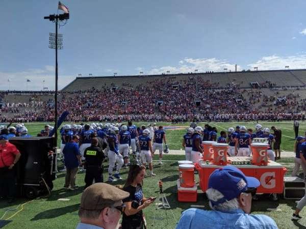 David Booth Kansas Memorial Stadium, secção: 6, fila: 3, lugar: 5
