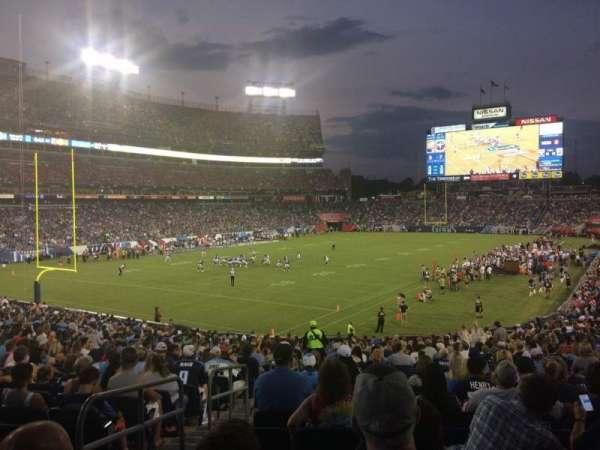 Nissan Stadium, secção: 119, fila: GG, lugar: 20