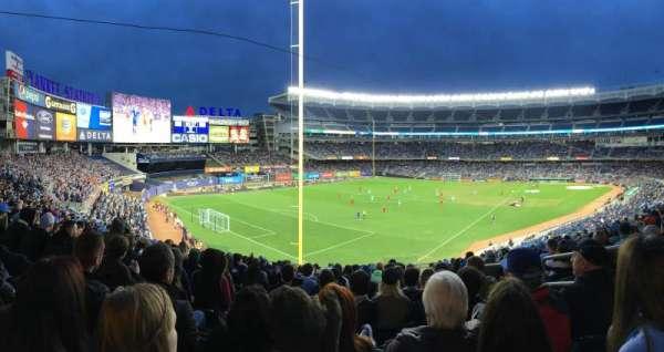 Yankee Stadium, secção: 232a, fila: 14, lugar: 3