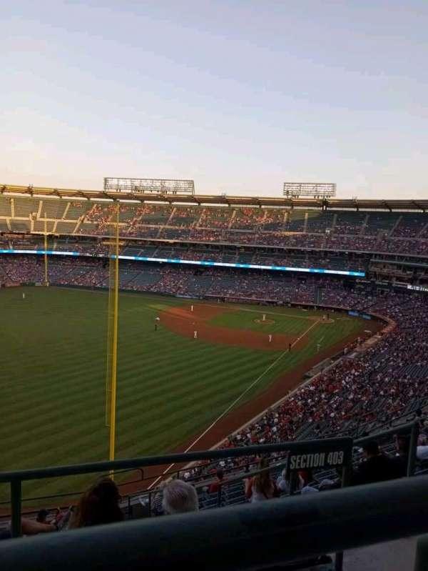 Angel Stadium, secção: 504, fila: A, lugar: 10
