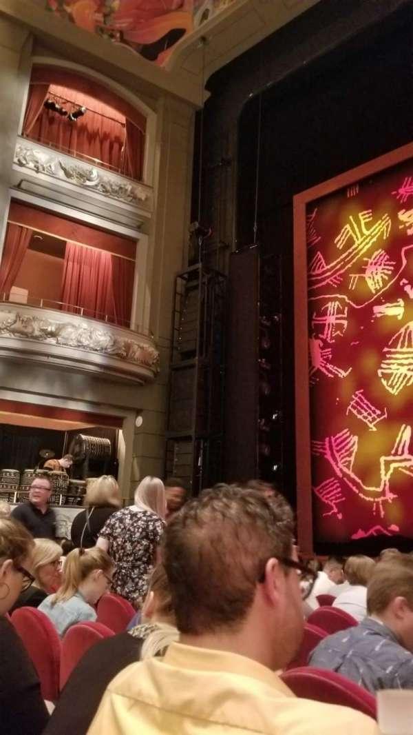 Princess of Wales Theatre, secção: Orchestra, fila: HH, lugar: 27