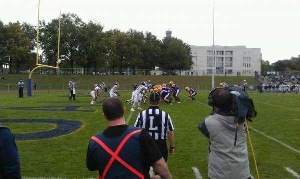 University Field, secção: Sideline