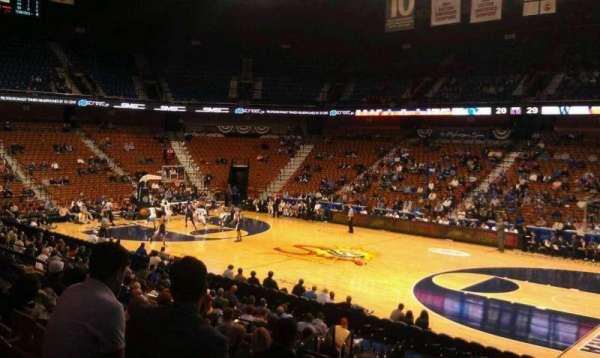 Mohegan Sun Arena, secção: 23, fila: R, lugar: 3