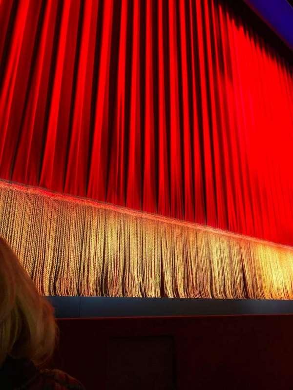 Longacre Theatre, secção: Orchestra L, fila: B, lugar: 2