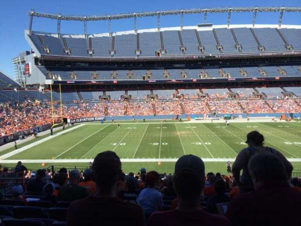 Empower Field at Mile High Stadium, secção: 125, fila: 36, lugar: 13