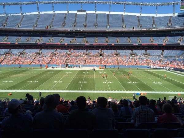 Empower Field at Mile High Stadium, secção: 122, fila:  39, lugar: 13