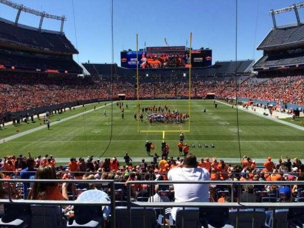 Empower Field at Mile High Stadium, secção: 114, fila: 25, lugar: 8