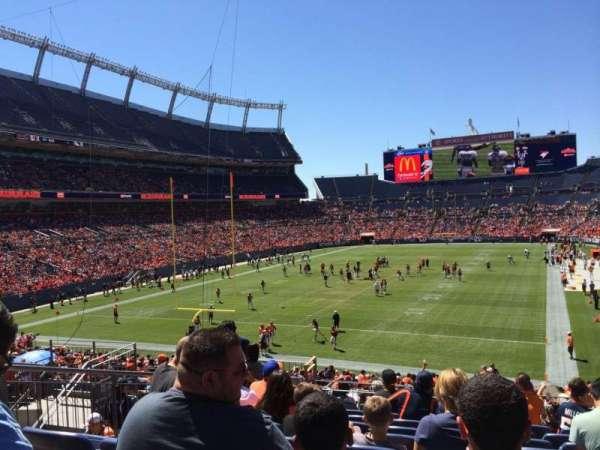 Broncos Stadium at Mile High, secção: 112, fila: 33, lugar: 13