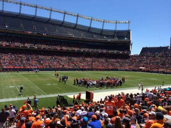 Broncos Stadium at Mile High, secção: 107, fila: 20, lugar: 23
