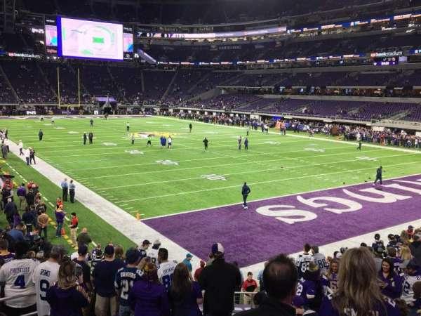 U.S. Bank Stadium, secção: 101, fila: 15, lugar: 25 and 26
