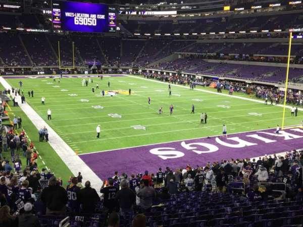 U.S. Bank Stadium, secção: 101, fila: 25, lugar: 25
