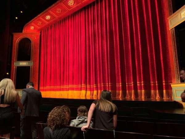 Marquis Theatre, secção: Orchestra R, fila: F, lugar: 10