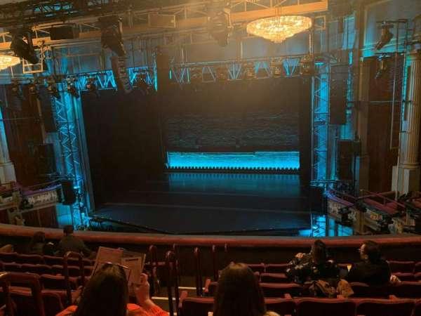 Broadhurst Theatre, secção: Mezzanine R, fila: H, lugar: 6