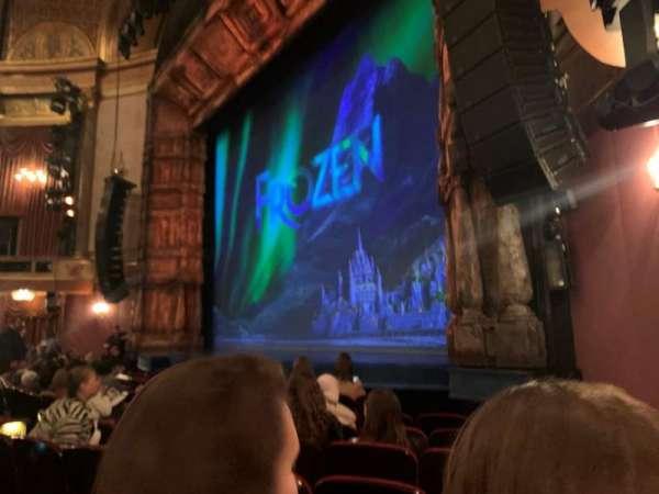 St. James Theatre, secção: Orchestra R, fila: G, lugar: 24
