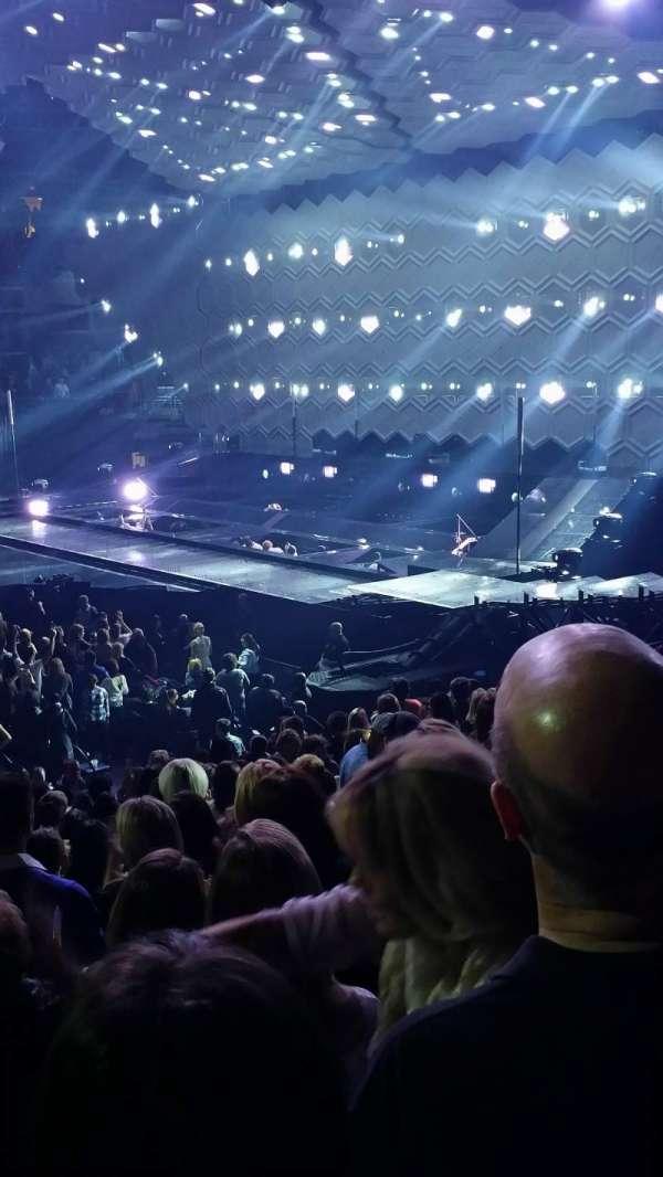 Capital One Arena, secção: 112, fila: Q, lugar: 12