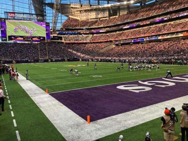 U.S. Bank Stadium, secção: 122, fila: 4, lugar: 13