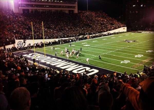 Vanderbilt Stadium, secção: M, fila: 29, lugar: 15