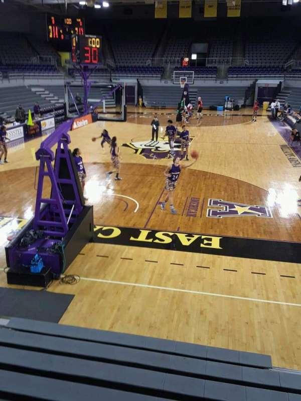 Williams Arena at Minges Coliseum, secção: 203, fila: A, lugar: 12