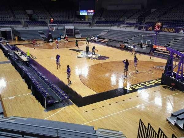 Williams Arena at Minges Coliseum, secção: 205, fila: ADA, lugar: 1-8