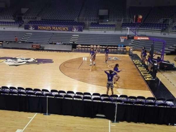 Williams Arena at Minges Coliseum, secção: 206, fila: A, lugar: 3